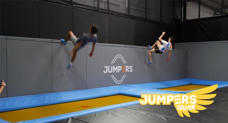 site-jumpers-trampolins-aulas (1).png